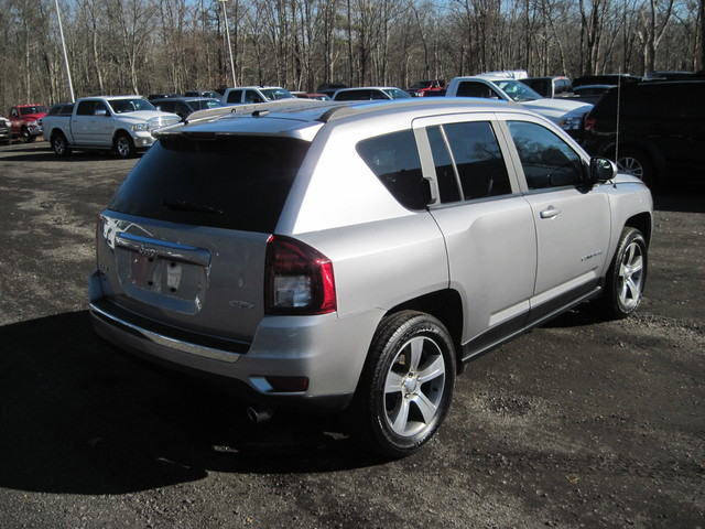 Pre-Owned 2017 Jeep Compass