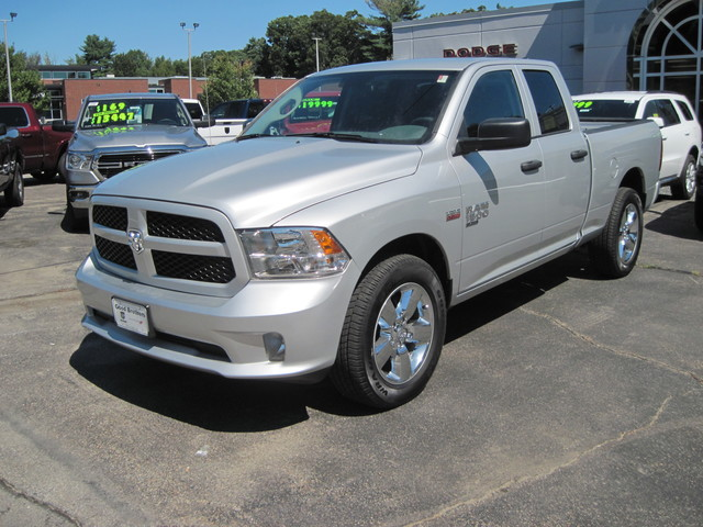 PRE-OWNED 2019 RAM 1500 CLASSIC FOUR WHEEL DRIVE CREW CAB PICKUP